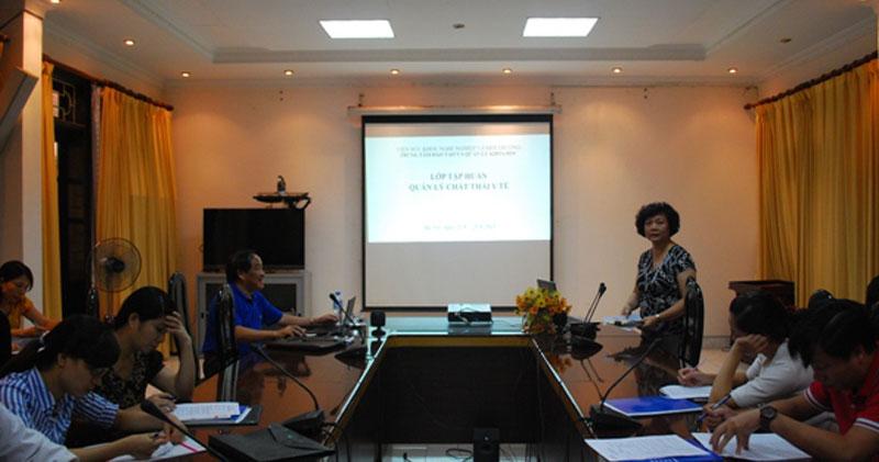 Khai giảng lớp tập huấn Quản lý chất thải y tế