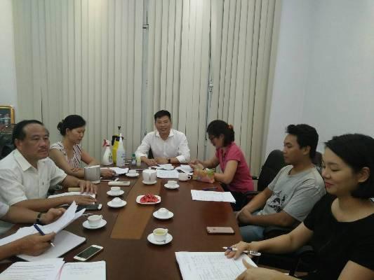 Viện Sức khỏe nghề nghiệp và môi trường mở Chiến dịch hỗ trợ phường Vĩnh Tuy phòng chống dịch...