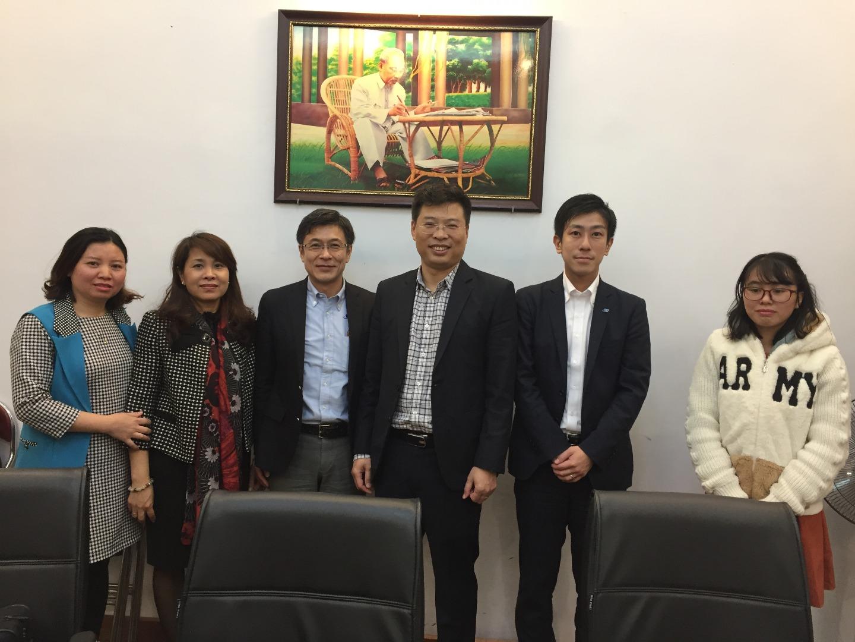 Lãnh đạo Viện tiếp đoàn công ty RION Nhật Bản về hợp tác triển khai các hoạt động: đo, kiểm tra thính lực bằng thiết bị của công ty RION