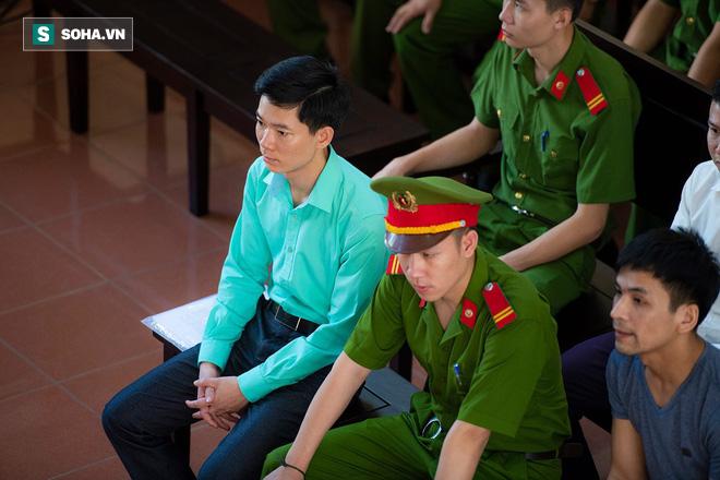 """Bác sĩ bị toà """"không cho nói"""" trong phiên xử Hoàng Công Lương tiết lộ những chuyện chấn động về..."""