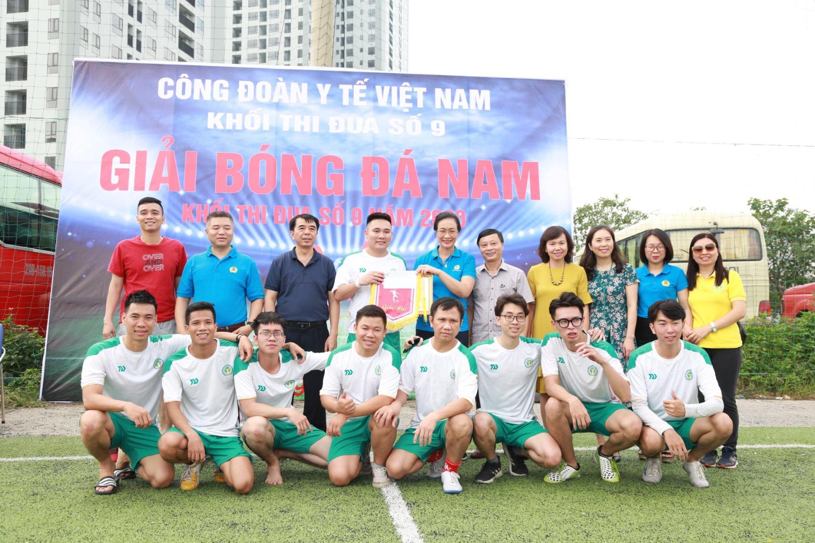Lễ Bế mạc và trao thưởng Giải Bóng đá nam năm 2020 Khối Thi đua số 9 - Công đoàn Y tế Việt Nam